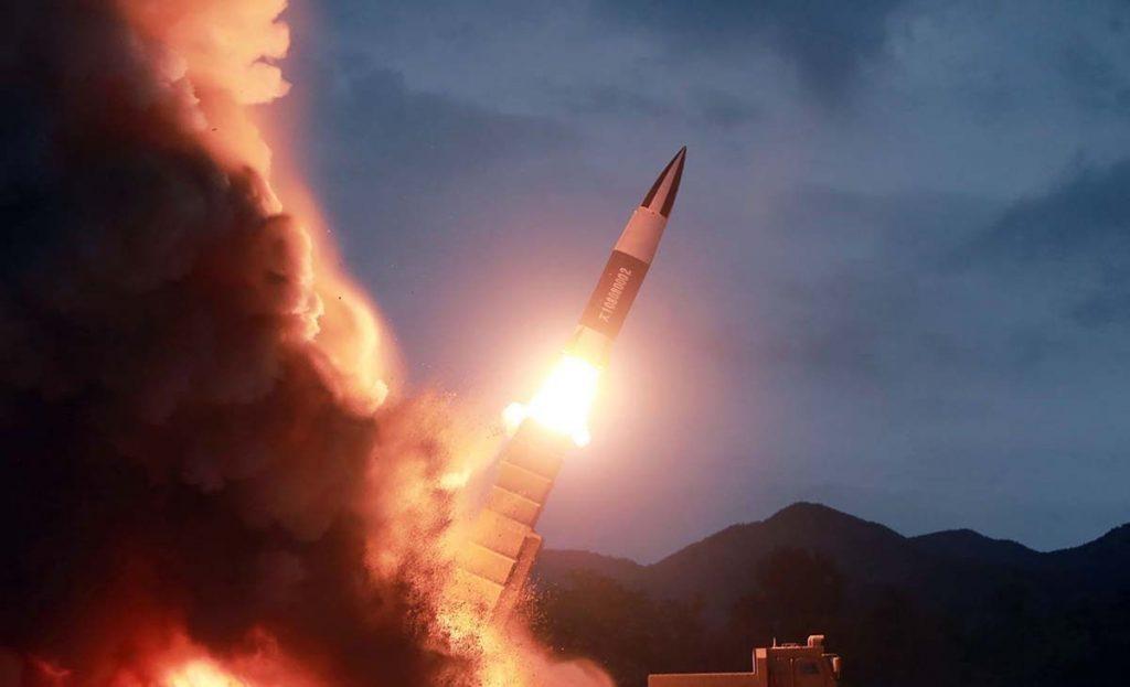 उत्तर कोरिया ने दो नए हथियारों का परीक्षण किया, बढ़ा तनाव