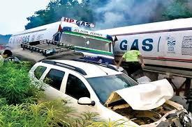 झारखंड: रामगढ़ की चुटूपाल घाटी में 9 गाड़ियां आपस में टकराईं, 5 लोगों की मौत