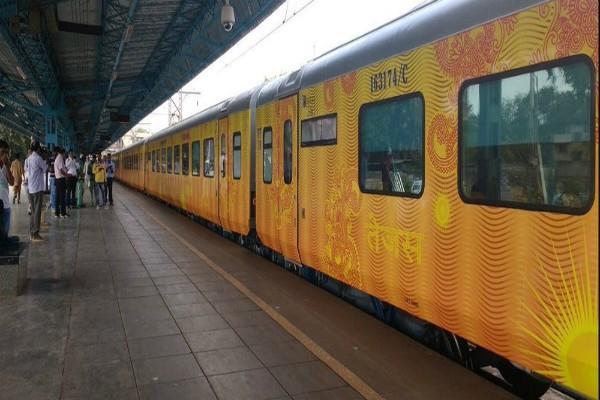 देश की पहली प्राइवेट ट्रेन तेजस एक्सप्रेस की बुकिंग शुरू