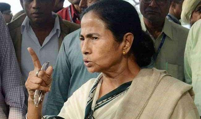ममता बनर्जी ने केंद्र सरकार पर साधा निशाना कहा- देश में चल रहा है 'सुपर इमरजेंसी' का दौर
