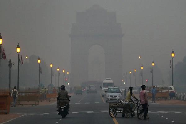 दिल्ली-NCR की आबो-हवा बेहद खराब, आज से जेनरेटर बंद