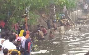 बिहार में छठ पूजा: दो अलग घटनाओं में दो बच्चों समेत चार लोगों की मौत