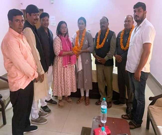 भाजपा विधायक दीवान सिंह बिष्ट की बहू श्वेता चुनावी मैदान से हटीं